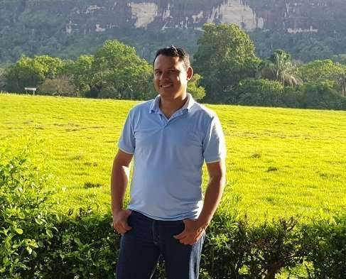 Alirio Soto Tovar Guía-Líder y Capacitador Conexión Natural