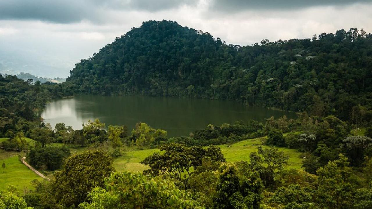 lagunas cerca a Bogota Lagunas en Cundinamarca Lagunas cerca de Bogota Lagos y lagunas en Cundinamarca Lagos cerca de Bogotá Represas y Embalses cerca a Bogota